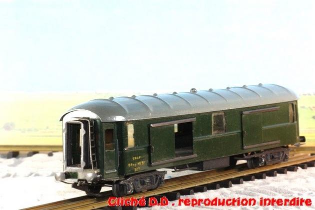 WAGONS MARTIN/FEX-MINIATRAIN 4 éme série 1953/54 1ère partie wagons longueur 23 cm 15021008205916773112952079