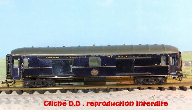 WAGONS MARTIN/FEX-MINIATRAIN 4 éme série 1953/54 1ère partie wagons longueur 23 cm 15021008213016773112952104