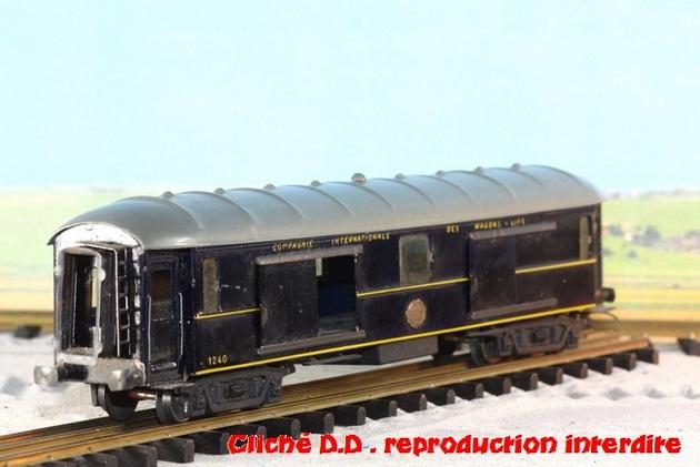 WAGONS MARTIN/FEX-MINIATRAIN 4 éme série 1953/54 1ère partie wagons longueur 23 cm 15021008214516773112952110