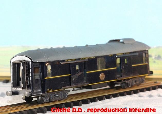 WAGONS MARTIN/FEX-MINIATRAIN 4 éme série 1953/54 1ère partie wagons longueur 23 cm 15021008214616773112952111