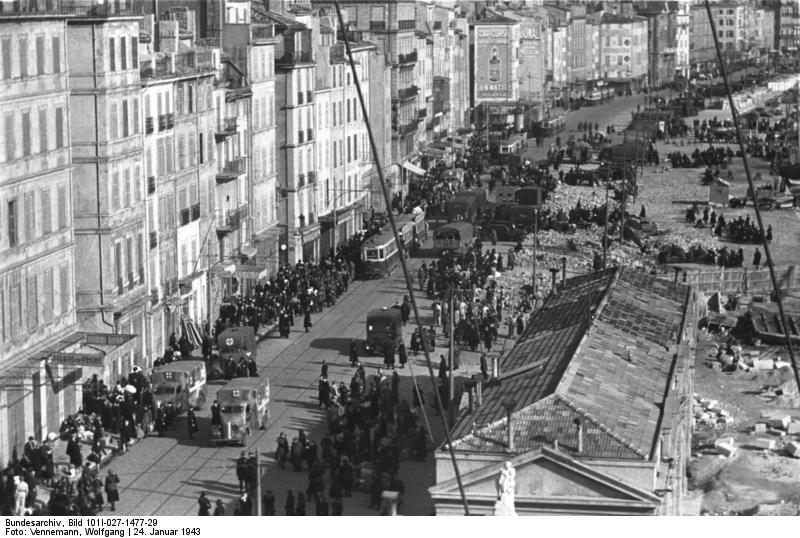 Bundesarchiv_Bild_101I-027-1477-29,_Marseille,_Hafenviertel._Deportation_von_Juden