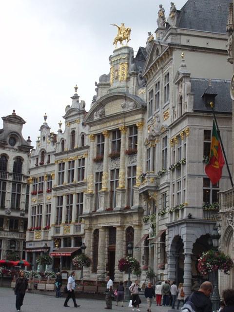 Bruxelles : Grand-Place, Parc Royal, Manneken'Pis... 15051508193619075513269628