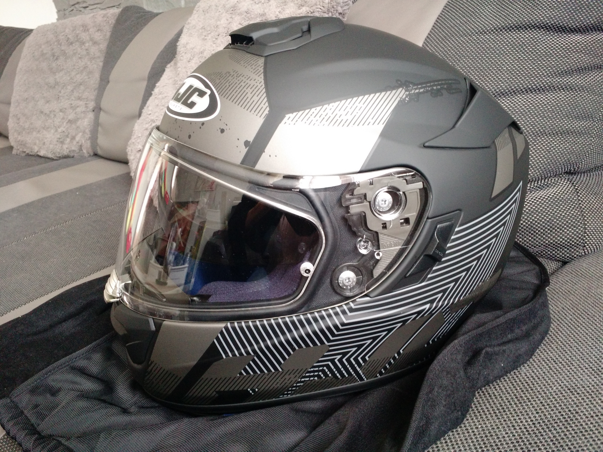 Casque HJC.. - Page 2 1505200343368436813283973