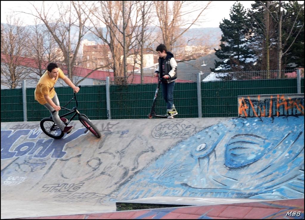 vélo, trottinette ou roller ... 15060410321219784013329640