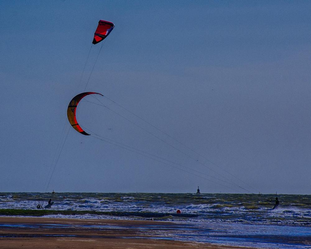 Vent et plage: kite surf 15061306182914373713362888