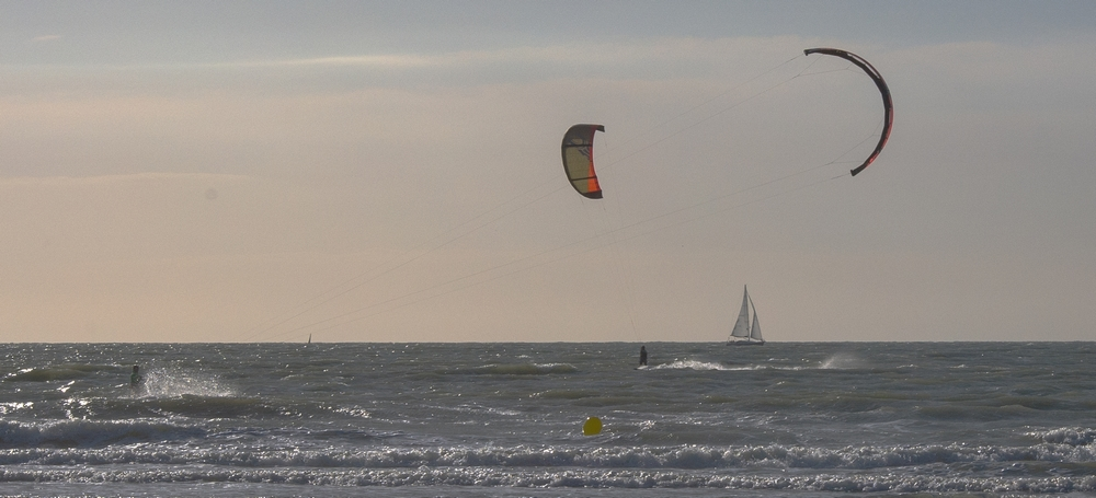 Vent et plage: kite surf 15061306184114373713362890