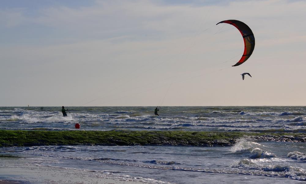Vent et plage: kite surf 15061306190314373713362894