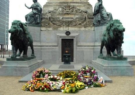 Bruxelles : Grand-Place, Parc Royal, Manneken'Pis... 15061709363019075513375848