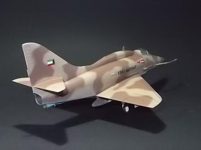 "A-4U ""Free Kuwait 819"" [Hobby World 1/48] 15070905432210194413430816"