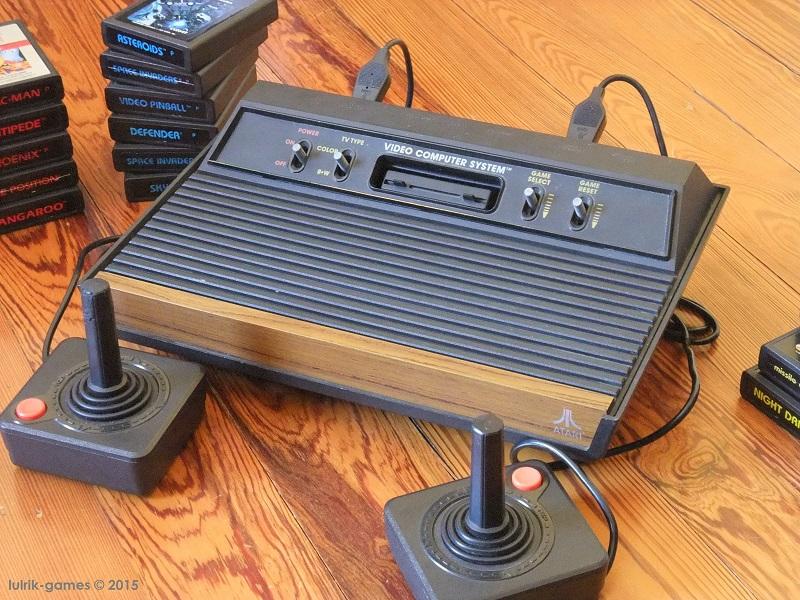 Atari 2600 bois 4 boutons manettes