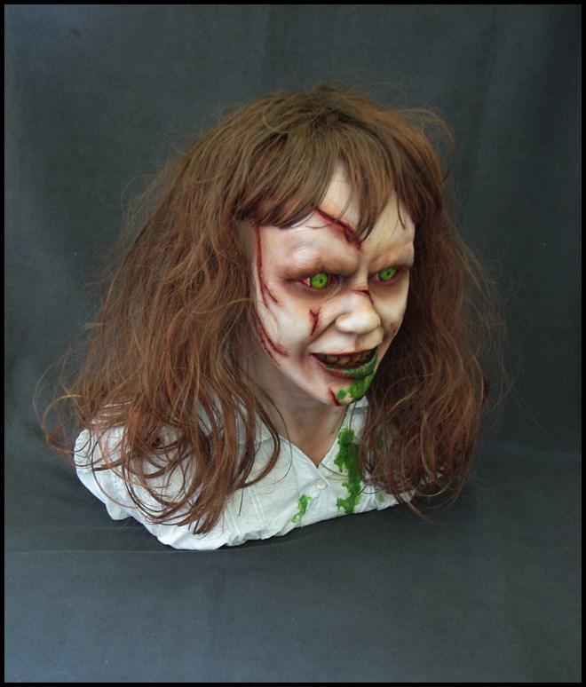 Exorciste buste échelle 1 15082902393816083613542700