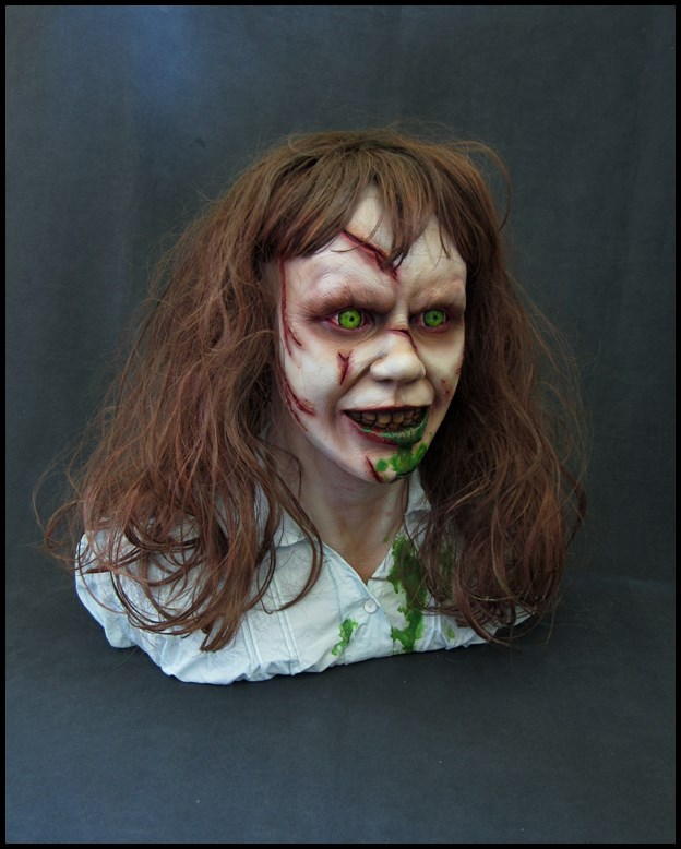 Exorciste buste échelle 1 15082902394416083613542703