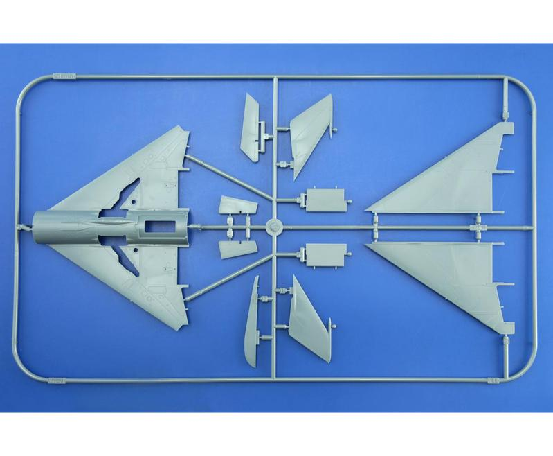 MiG-21 MFN (Eduard 1/48) 15091006065010194413572465