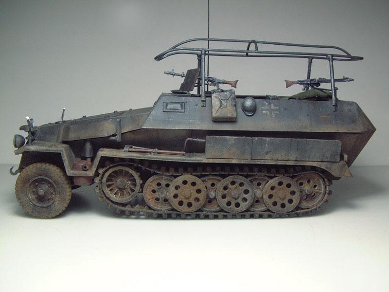 [AFV Club] Sd.Kfz 251/3 Aust.C - 1/35e 1509191112234769013593333