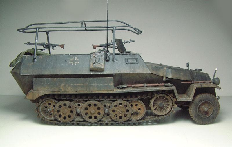 [AFV Club] Sd.Kfz 251/3 Aust.C - 1/35e 1509191112444769013593338