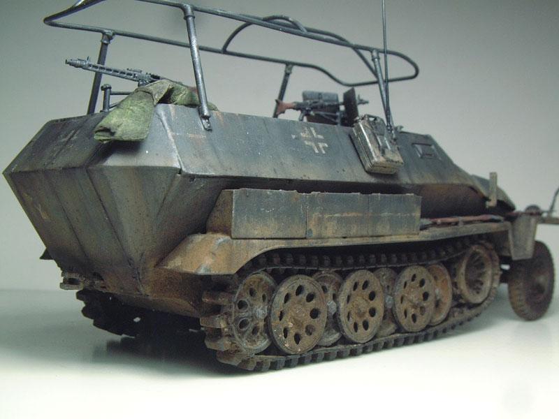 [AFV Club] Sd.Kfz 251/3 Aust.C - 1/35e 1509191112494769013593339