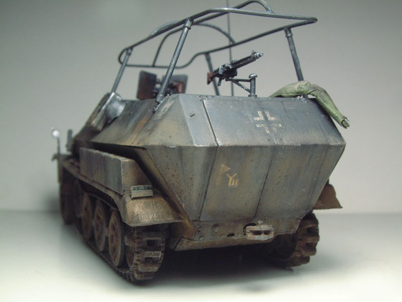 [AFV Club] Sd.Kfz 251/3 Aust.C - 1/35e 1509191112534769013593340