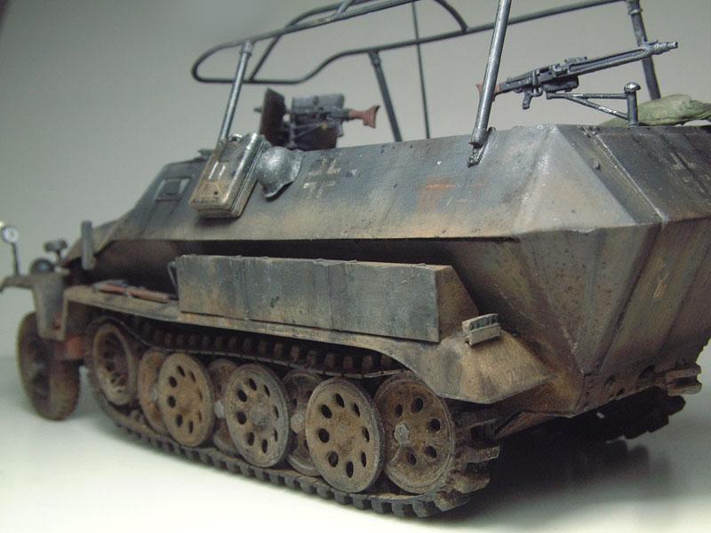 [AFV Club] Sd.Kfz 251/3 Aust.C - 1/35e 1509191112554769013593341
