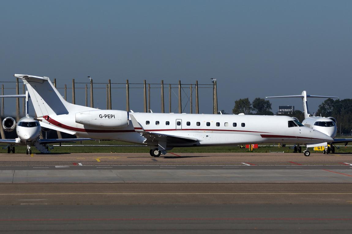 884 EMB135BJ G-PEPI London exec aviation