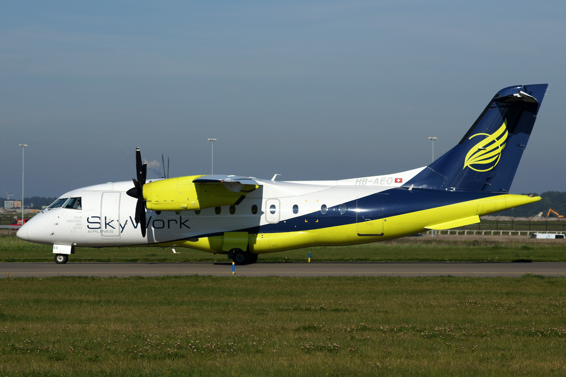 1077 D0328 HB-AEO Skywork