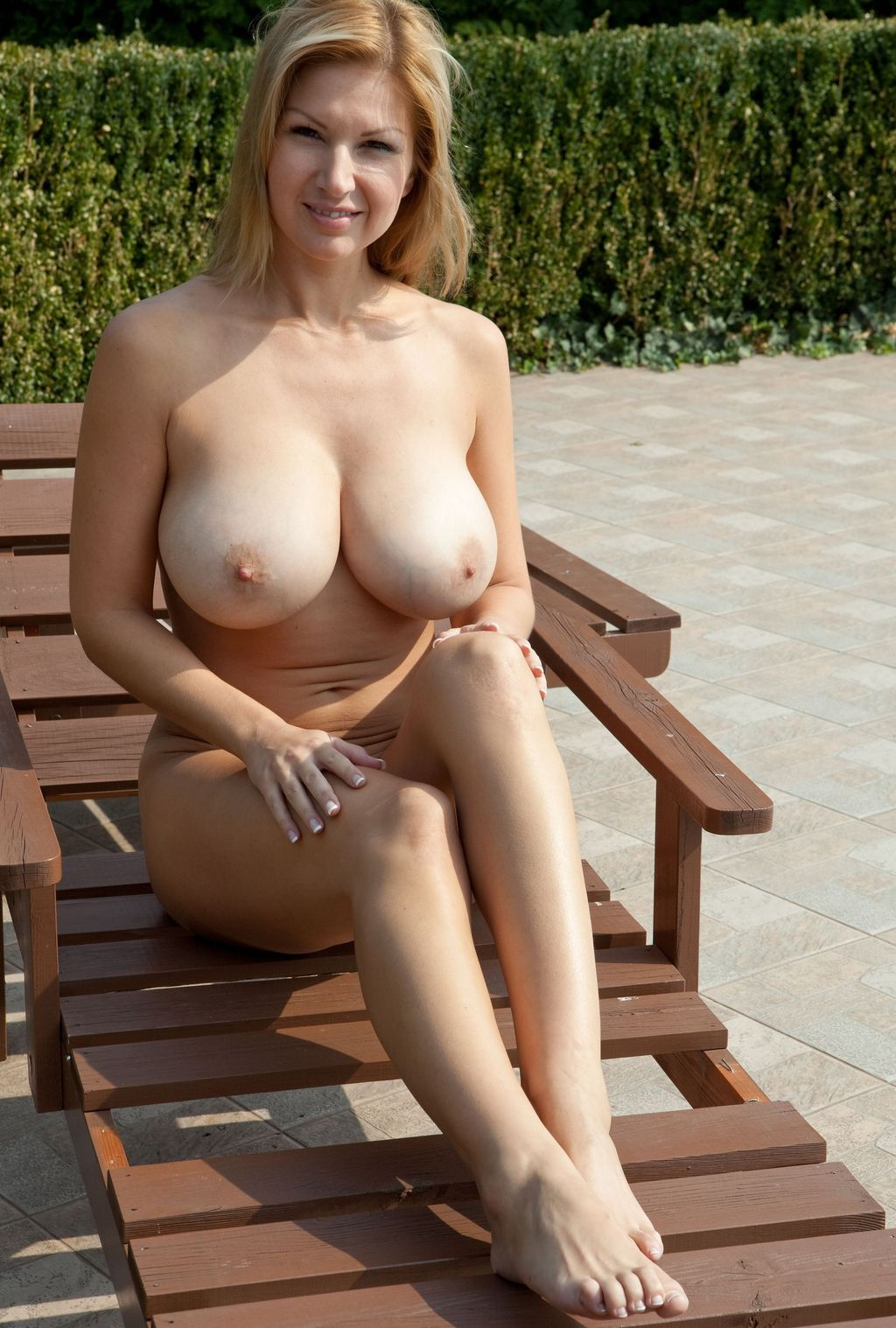 Voissa chat with live nude girls