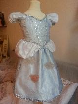 [Costumes] Robes de Princesses et tenues de Princes - Page 3 Mini_15101005034620526613648672