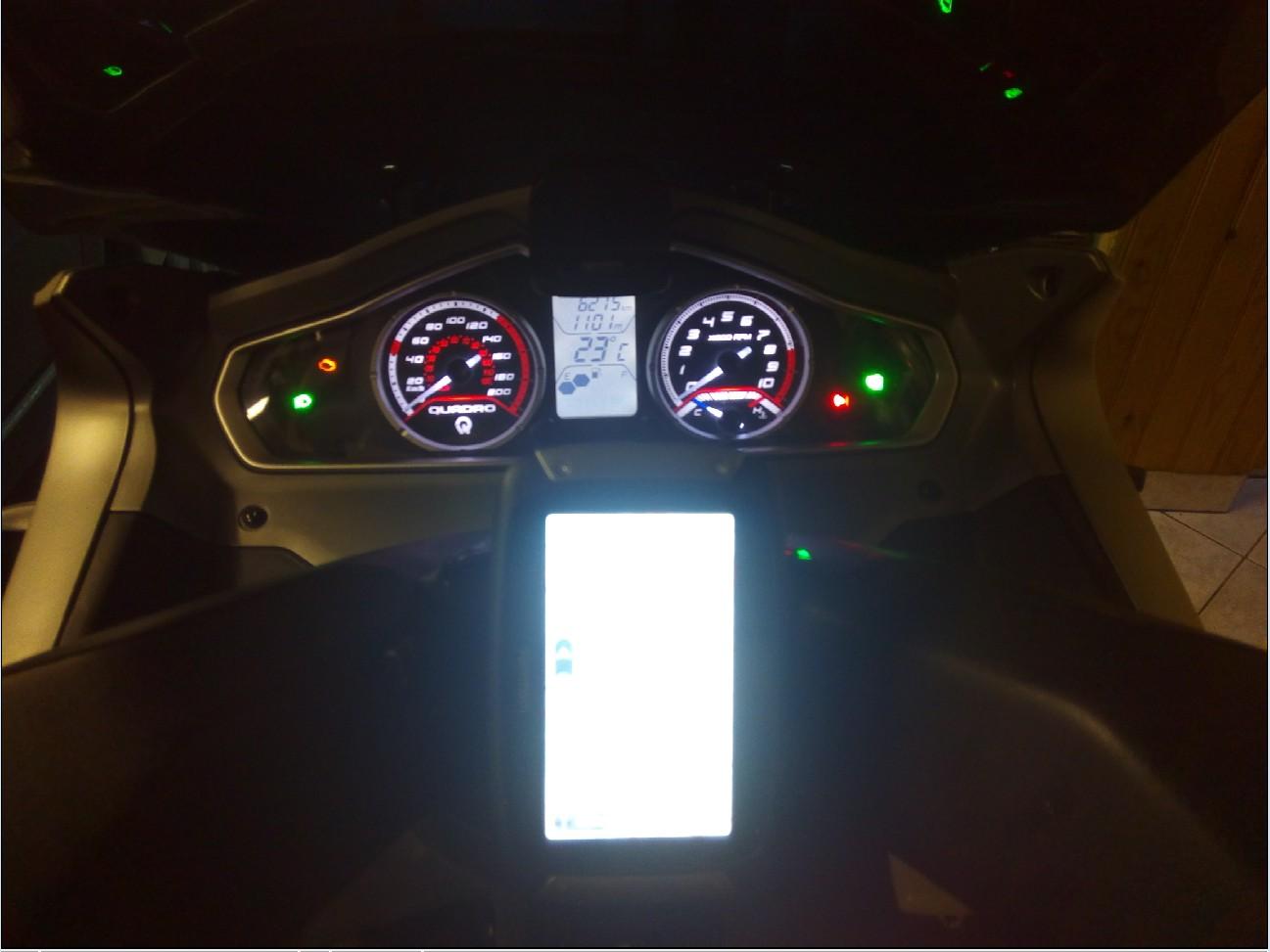Fixation GPS et branchement pour quadro 1510240822076010313689970