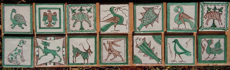 carreaux du moyen-âge, céramique verte et brune