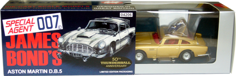 Aston-Martin DB5 James Bond Corgi