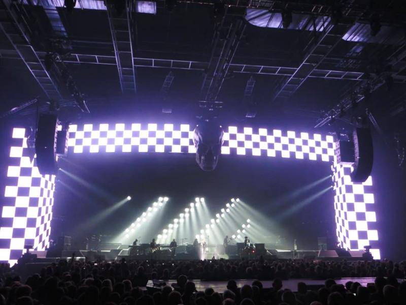 "JOHNNY HALLYDAY (""Rester vivant"" & ""De l'amour"") 27 & 29/11/2015 Bercy/AccorHotels Arena (Paris) : compte rendu 16011710543820773813904024"