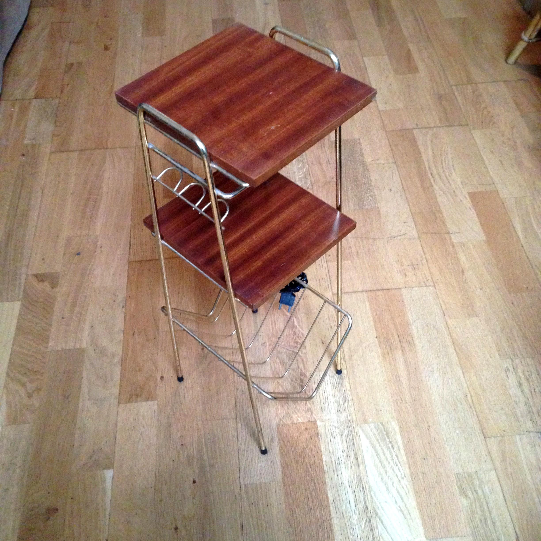 tablette d 39 appoint porte revues scandinave m tal dor et bois vintage 50 39 60 39 ebay. Black Bedroom Furniture Sets. Home Design Ideas