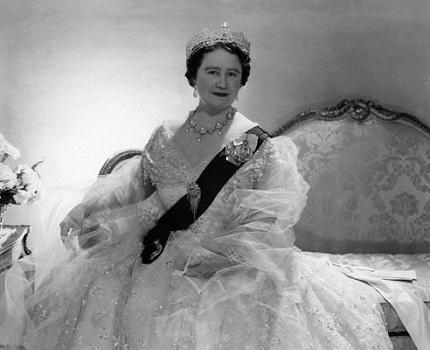 Queen Mother Mai 1957
