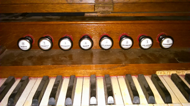 Mon premier harmonium un J-RICHARD 16021310190721182813973344
