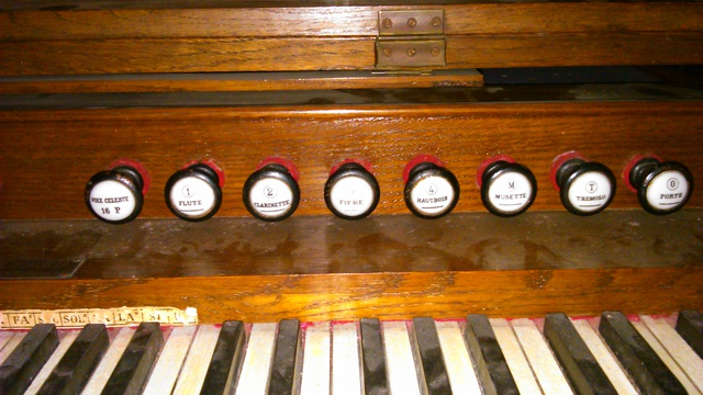 Mon premier harmonium un J-RICHARD 16021310191921182813973345