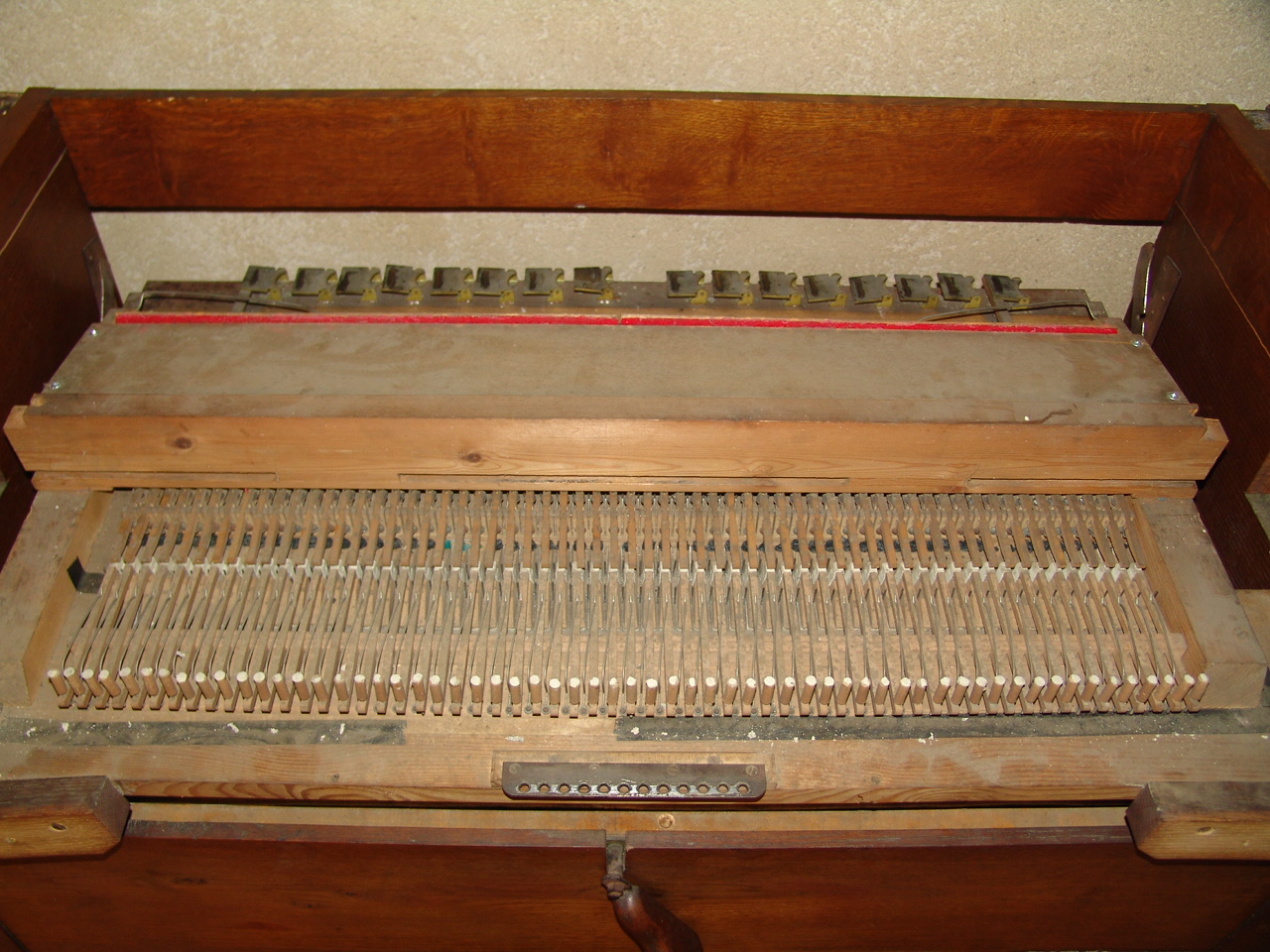 Mon premier harmonium un J-RICHARD 16021908290521182813988405