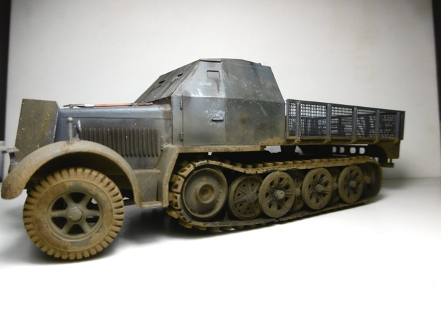 Sd.Kfz. 8 ton Flak 3.7cm [ TAMIYA 1/35° ] (Montage et Peinture en cours] - Page 2 16022009142421038613988940