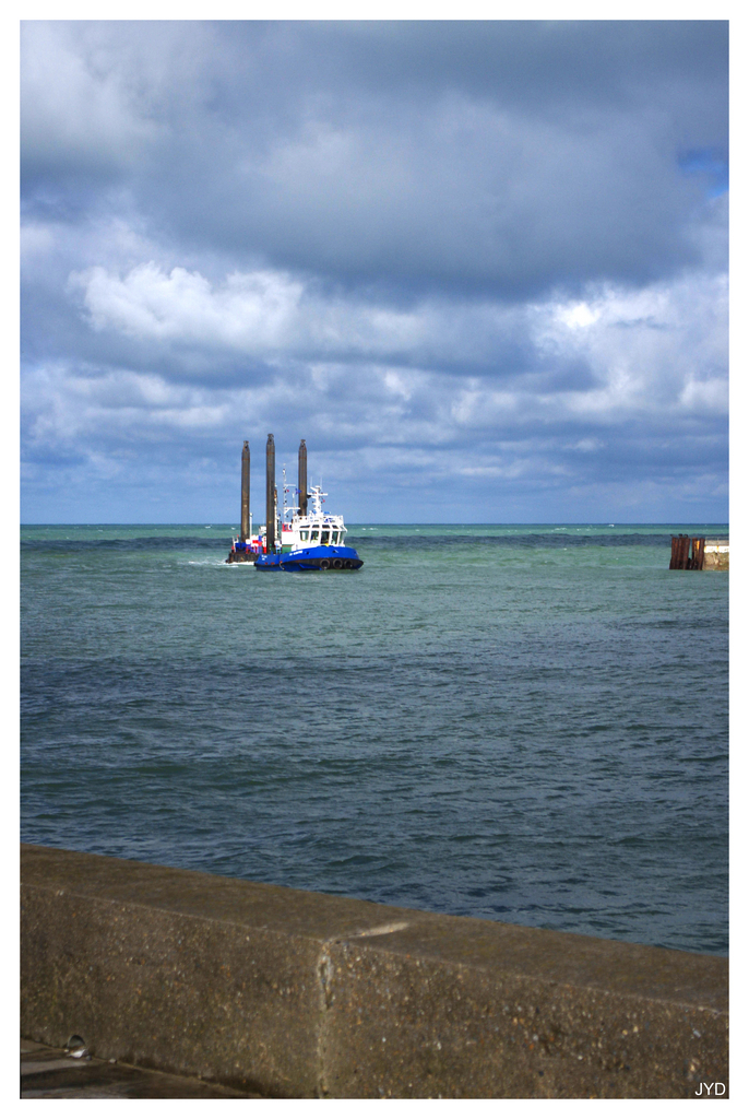 Entrée au port de Dieppe. 16022009593321023613991239