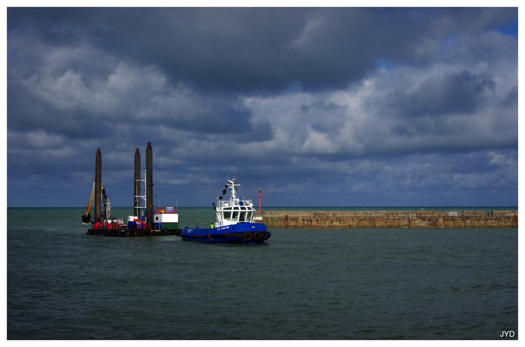Entrée au port de Dieppe. 16022009594621023613991241