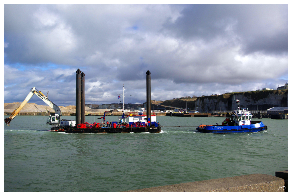 Entrée au port de Dieppe. 16022010001221023613991245