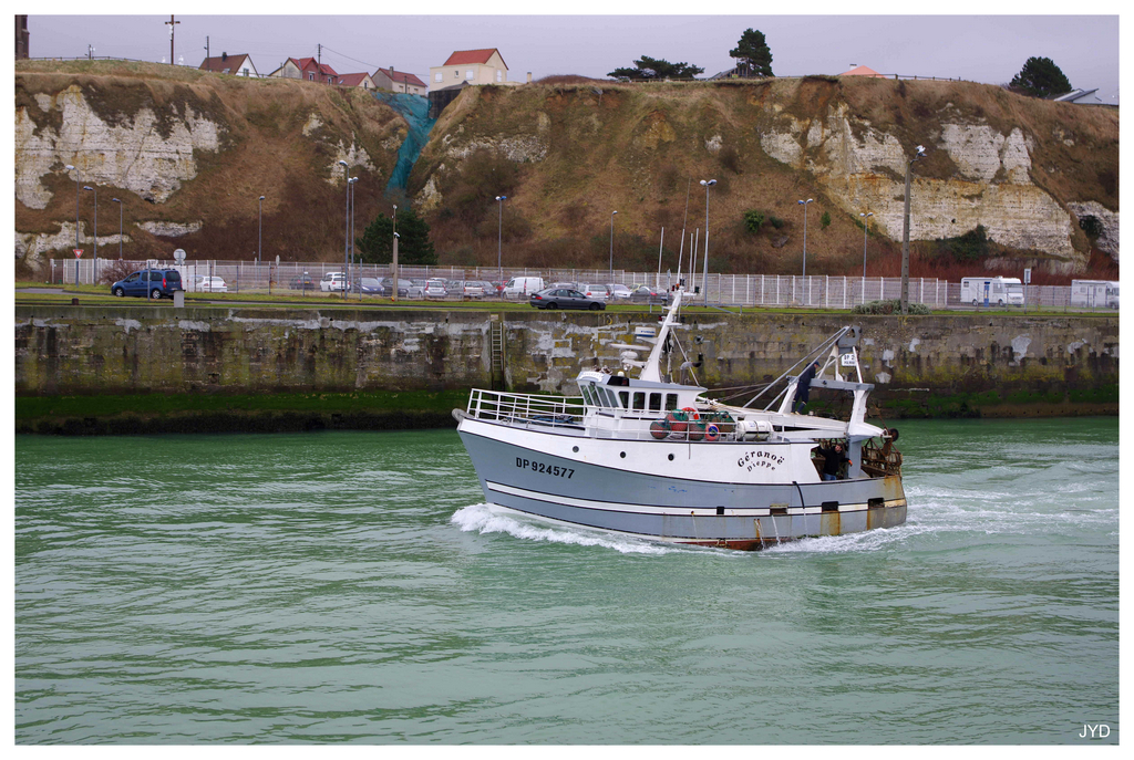 Dieppe : sortie de port et batillage 16022010003221023613991248
