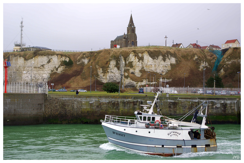 Dieppe : sortie de port et batillage 16022010003921023613991249
