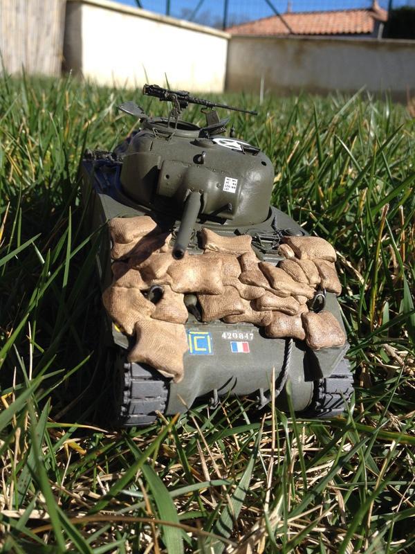 """Sherman """"Brive La Gailarde"""" 12ème RC 3e Scadron (dragon 1/35) 16022211175221232413995576"""