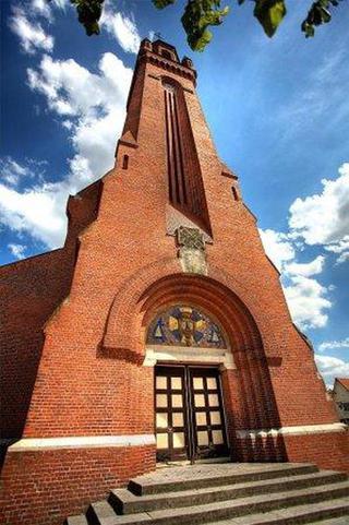 De kerken van de Wederopbouw na WO1 & WO2 - Pagina 2 16022910150414196114016448