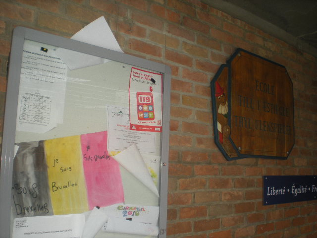 Het Nederlands en het Frans-Vlaams in onze publieke gebouwen. - Pagina 2 16032709144214196114099800
