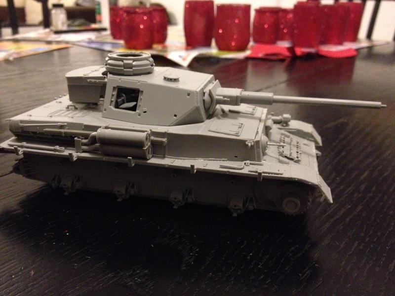 Panzer IV Ausf H Dragon 1/35 - Page 2 16041407362621232414144347