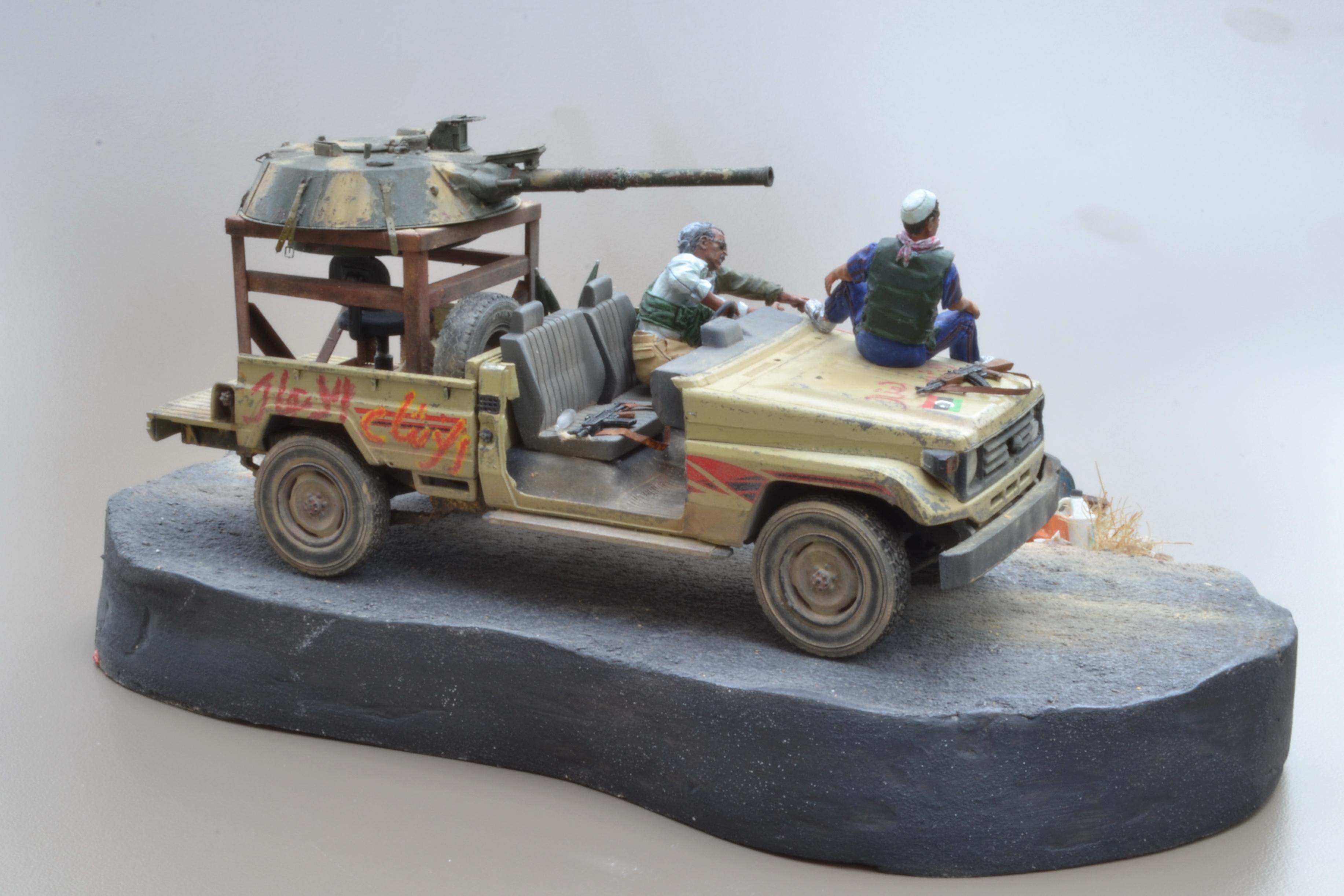 Pick-up (MENG)+tourelle BMP 1/35 (DEF model) - Page 4 16042204021715742614172214