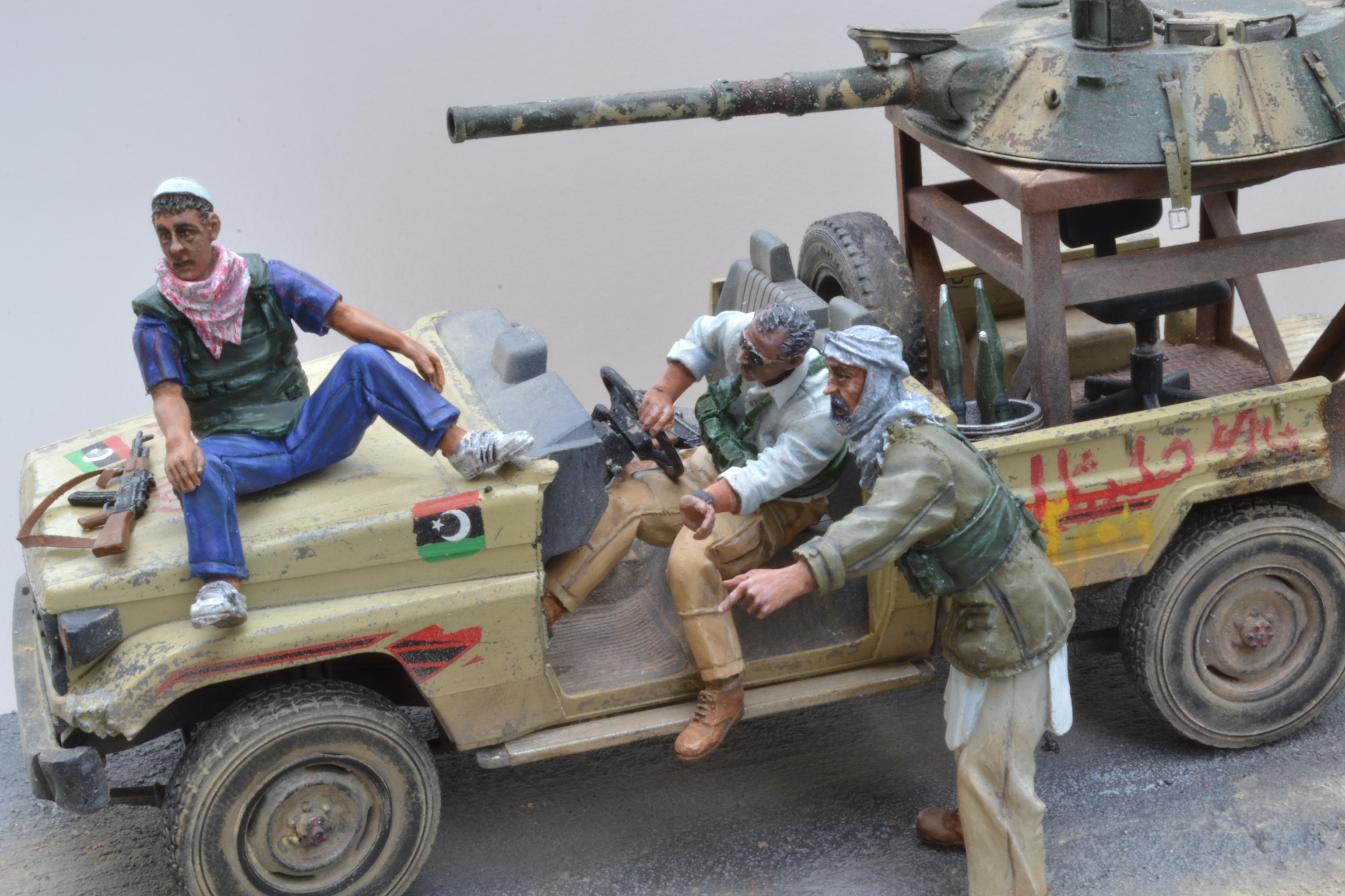 Pick-up (MENG)+tourelle BMP 1/35 (DEF model) - Page 4 16042204024615742614172225