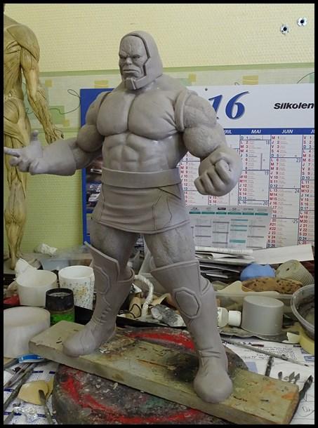 Darkseid statue 16050503214716083614202392