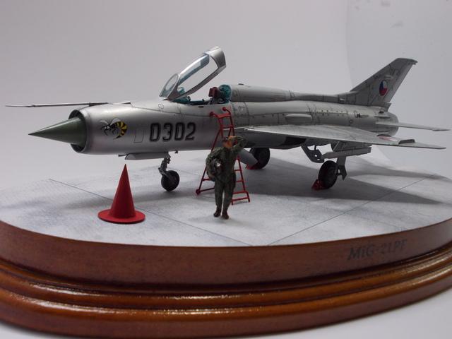 MiG-21 F-13 (Trumpeter 1/48) 16050603303510194414204814