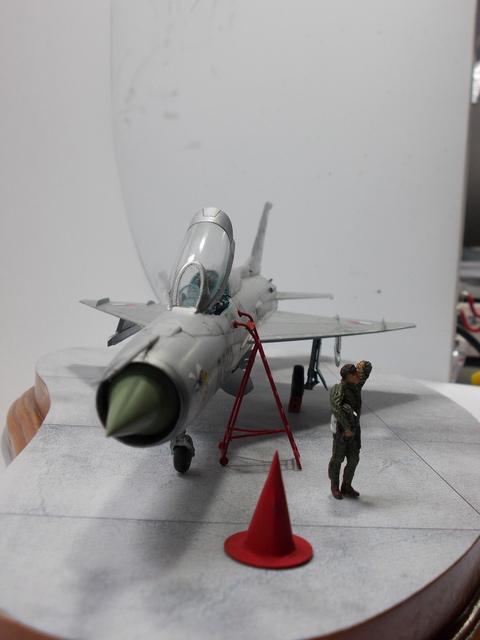 MiG-21 F-13 (Trumpeter 1/48) 16050603312410194414204816